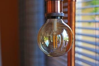 light-bulb-3667333_1920